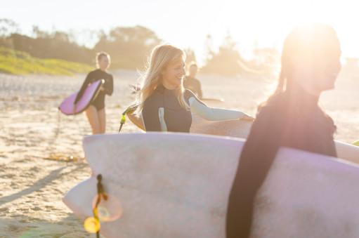 Women Surfing Australia