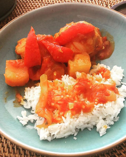 CHICKEN AFRITADA! red peppers, tomato sa