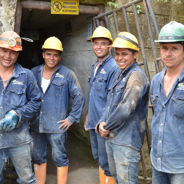 miners Iquira (c) ARM.jpg