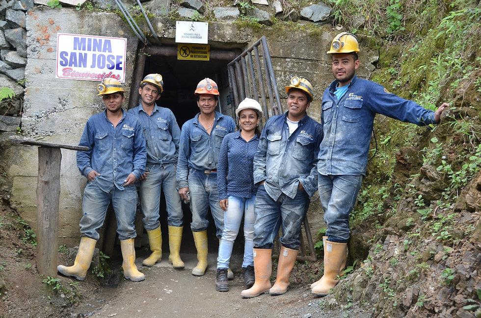 Mineros Iquira (c) ARM.jpg