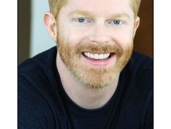 Jesse Tyler Ferguson returns to Broadway in FULLY COMMITTED
