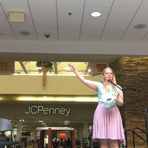 Kelsey Bigelow performing at the Indie Author Book Expo