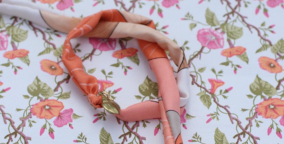 Armbånd re-design av vintage silkeskjerf