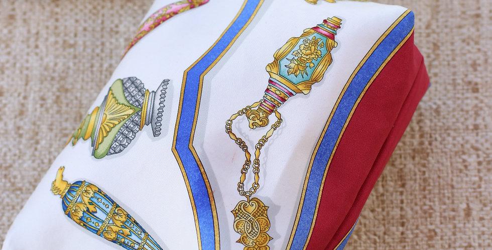 Clutch nr 45 re-designet av vintage silkeskjerf