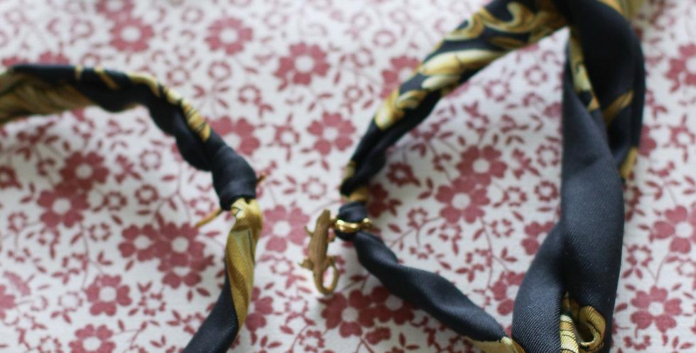 Re-designet armbånd av vintage silkeskjerf
