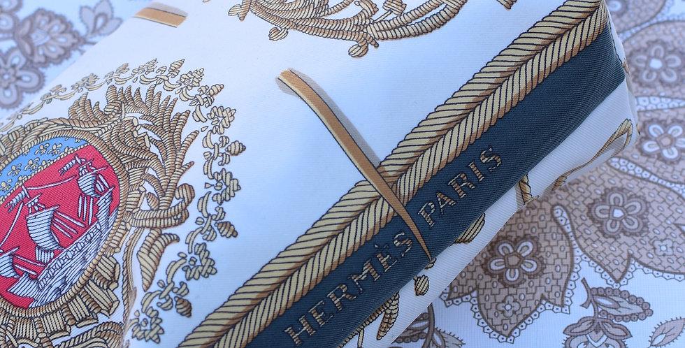 Clutch nr 59 re-designet av vintage silkeskjerf
