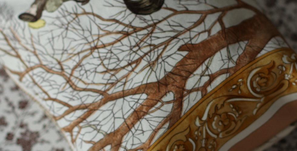 Clutch nr 95 re-designet av vintage silkeskjerf