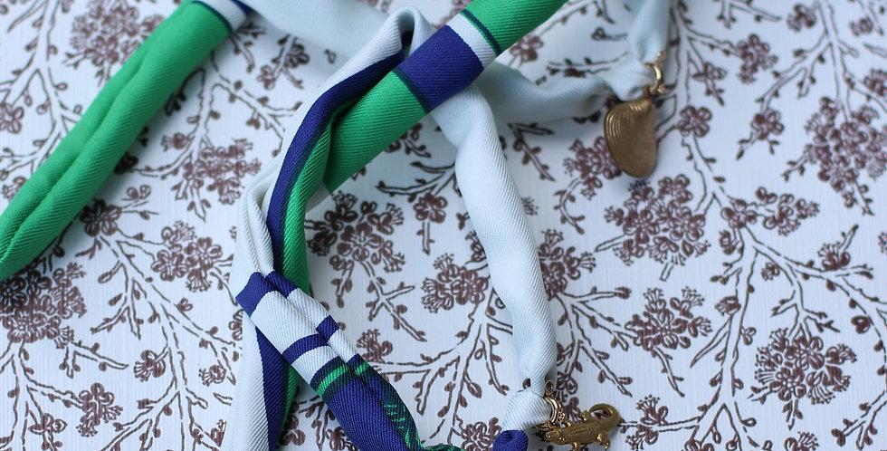 Armbåndre-designet av vintage silkeskjerf