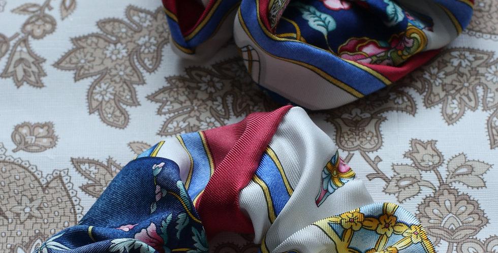 Schrunks re-designet av vintage silkeskjerf