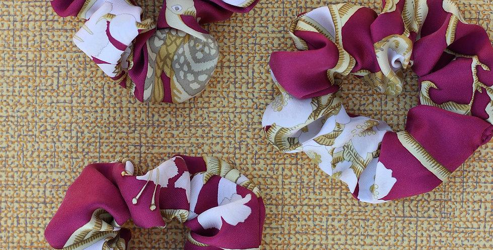 Schrunks av vintage silkeskjerf