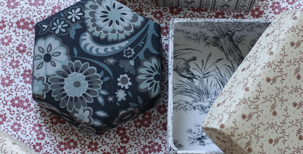 Pedari boks i Liberty tekstil