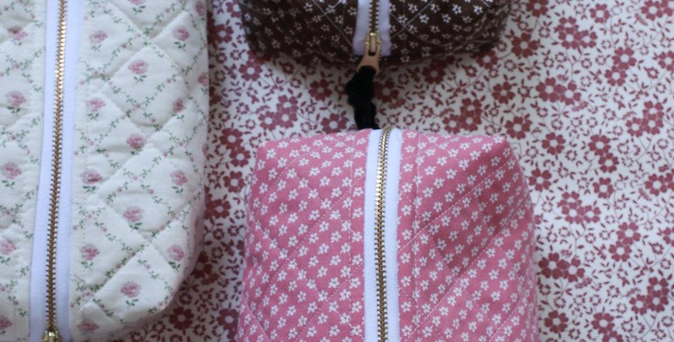 Make-up pung av vintage Södahl tekstil i rosa