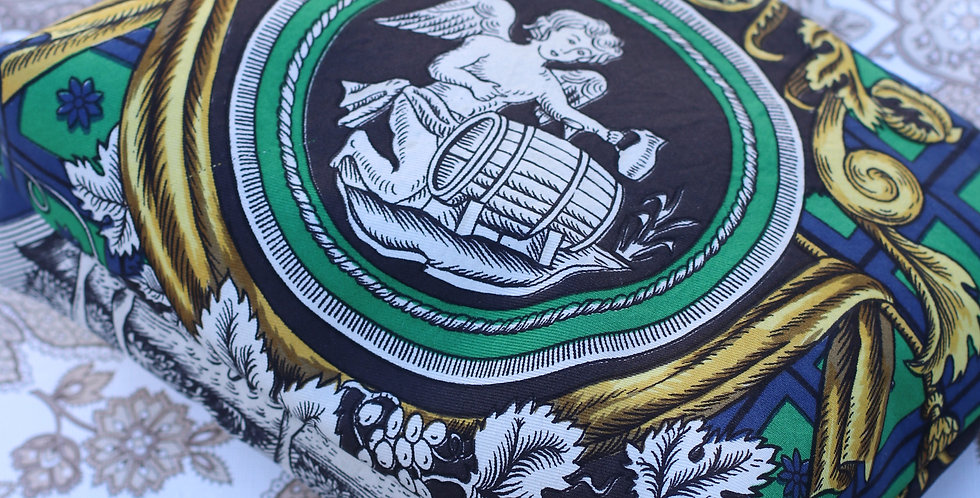 Clutch nr 57 re-deignet av vintage silkeskjerf