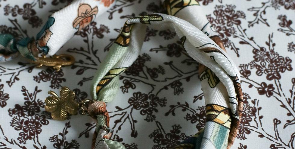 Re-designet av vintage silkeskjerf