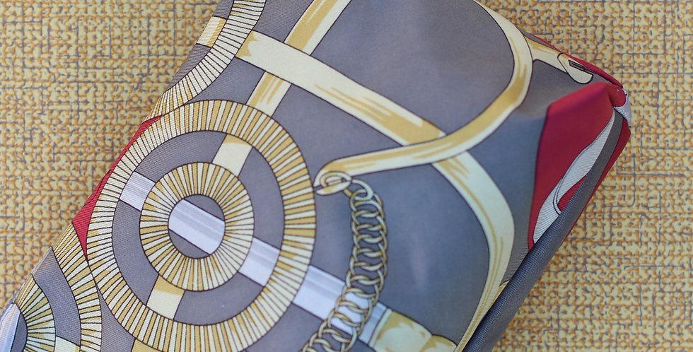 Clutch nr 41 re-designet av vintage silkeskjerf