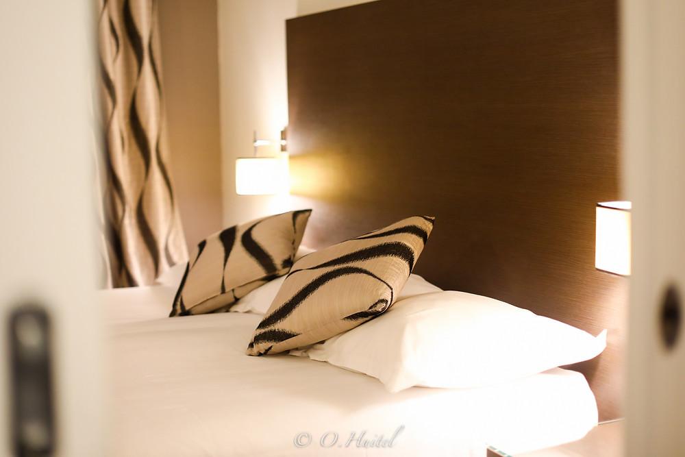 La chambre de l'hôtel Ellington à Nice. Photo © Olivier Huitel.