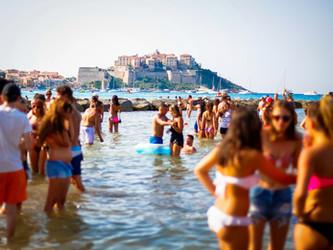Calvi On The Rocks, Dance on the Beach!