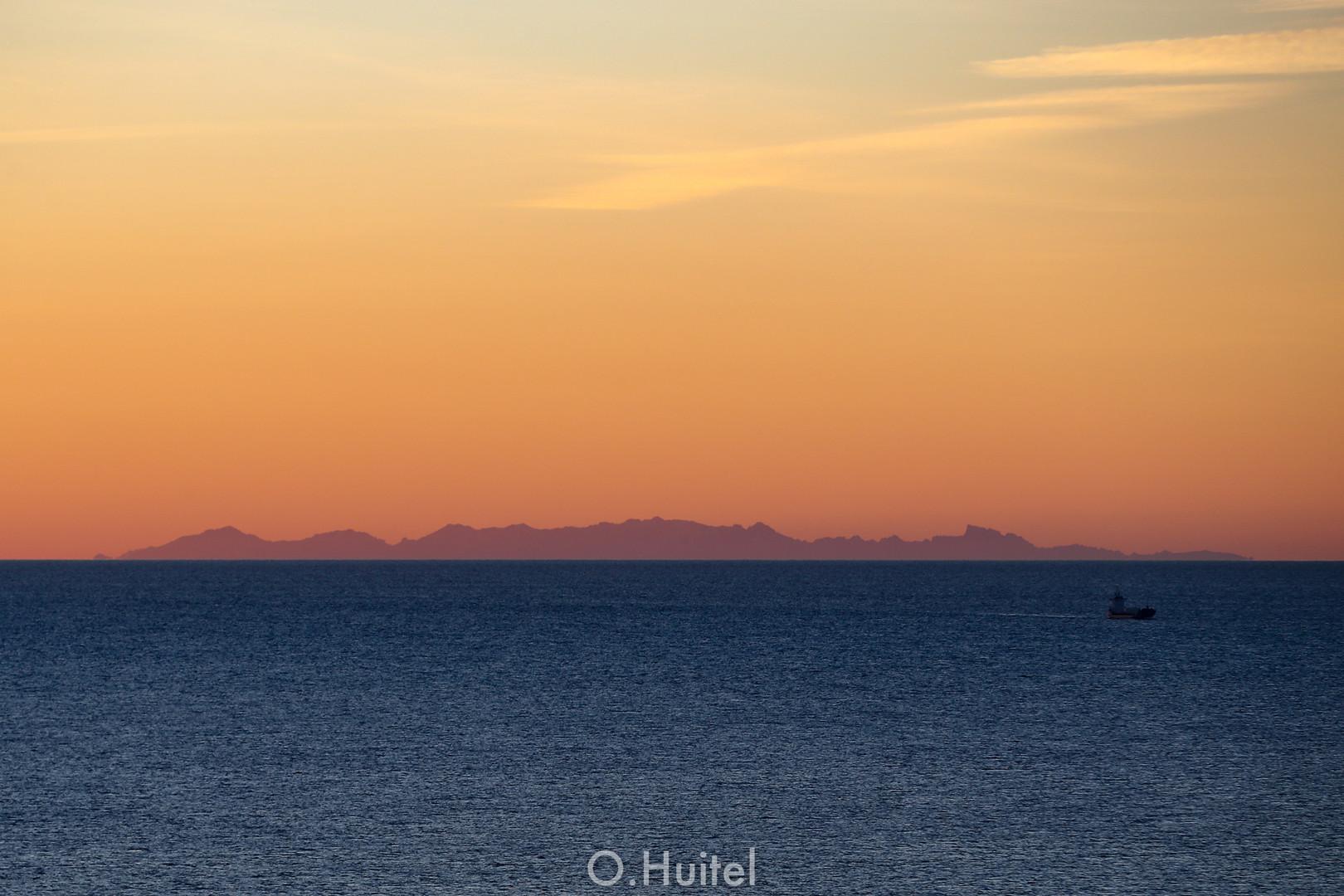 La Corse vue de Nice.