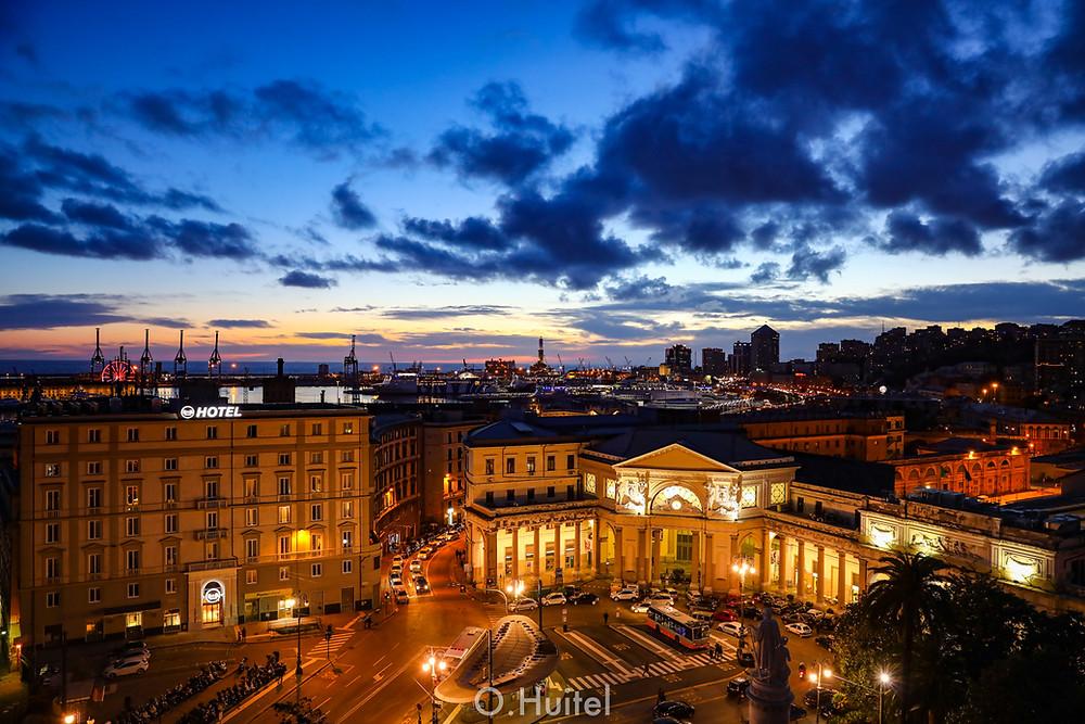 Gênes depuis la terrasse du Grand Hotel Savoia. © O.Huitel/Enpassantparlariviera