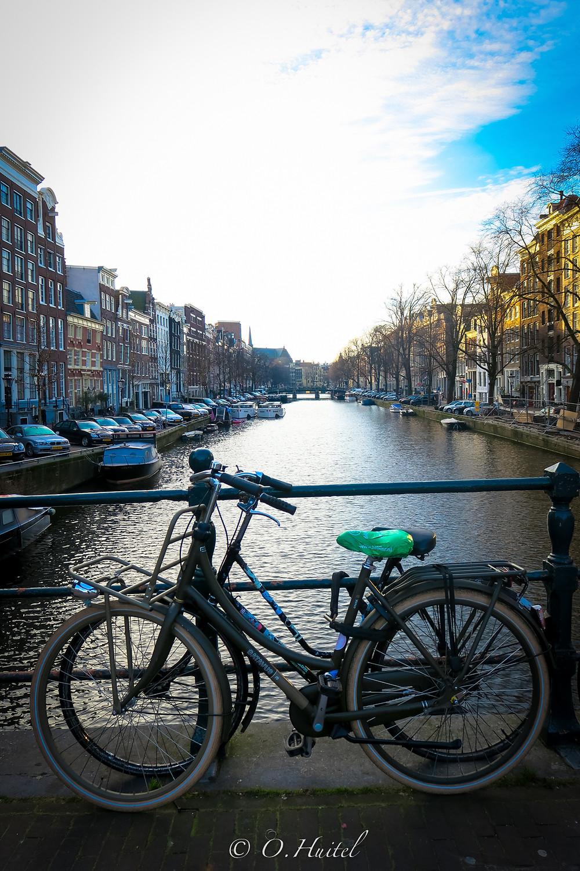 Le vélo est le moyen de locomotion préféré des amstellodamois. Photo © Olivier Huitel.