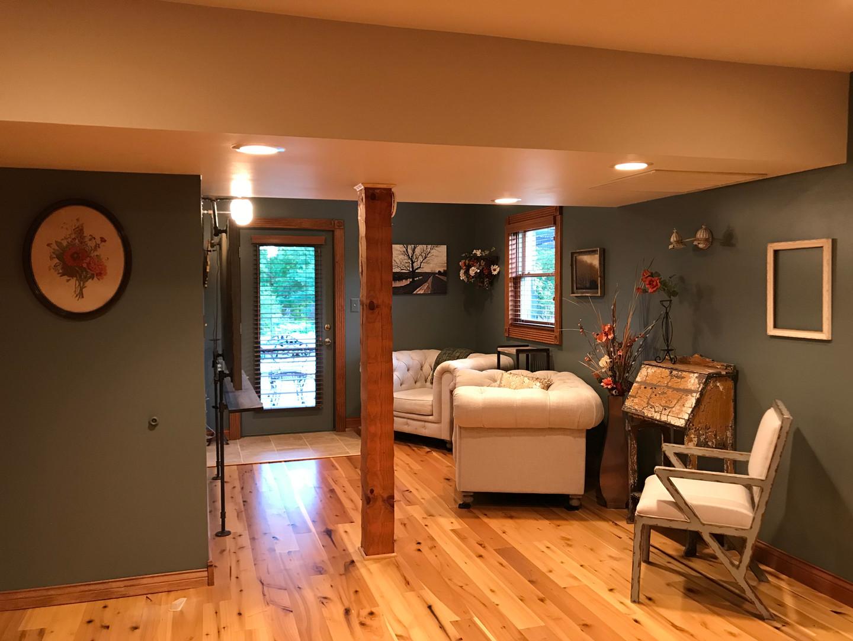 Lodge bedroom    Bridal suite 2