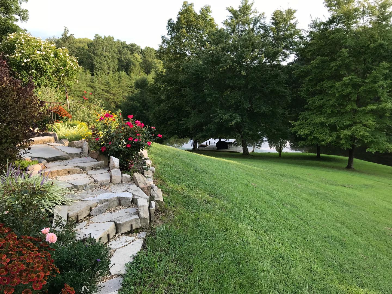 Lodge rock steps