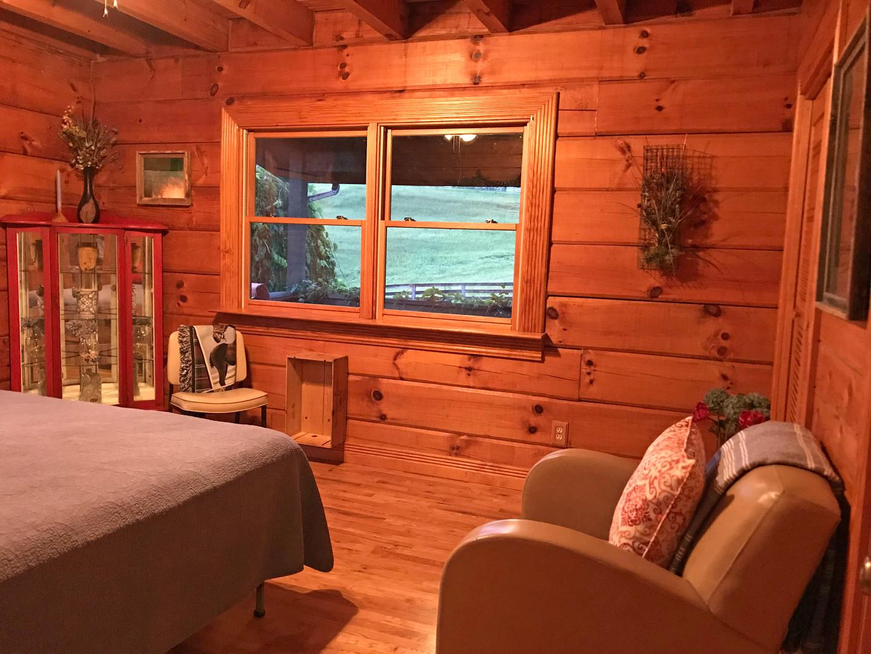 Lodge bedroom oar 2