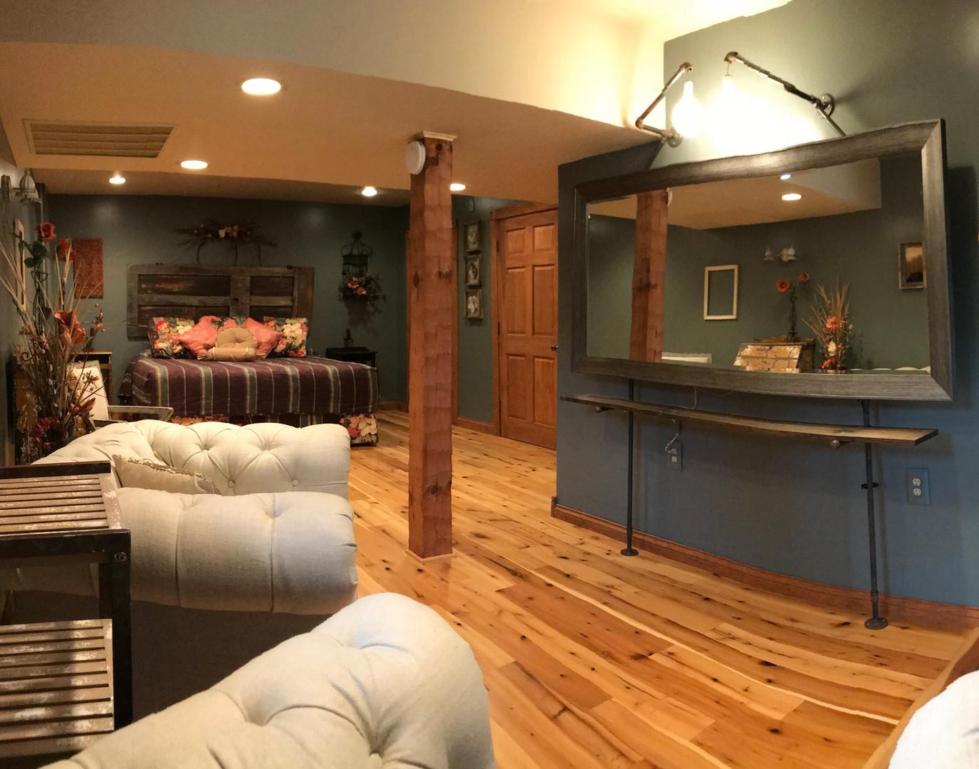 Lodge bedroom     Bridal suite