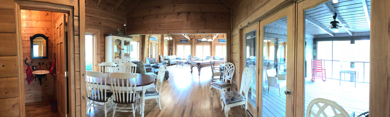 Lodge dining screen porch