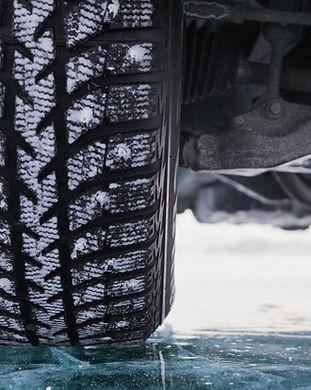 car-with-snow-tire.jpg