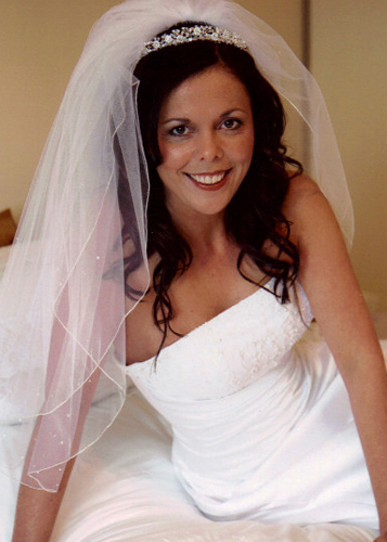 Bride with veil and tumbling curls