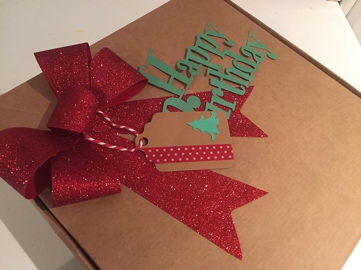 caja cumpleaños mimos y monas