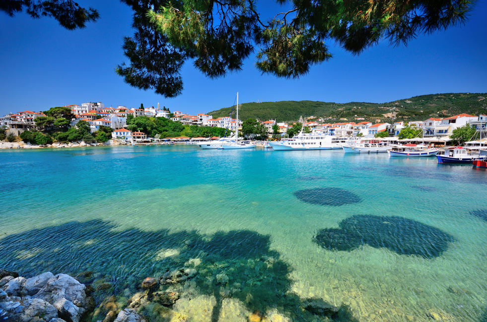 Skiathos old harbour.jpg