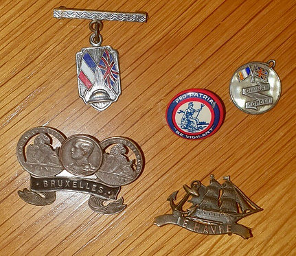 5 WW1 sweetheart and souvenir badges