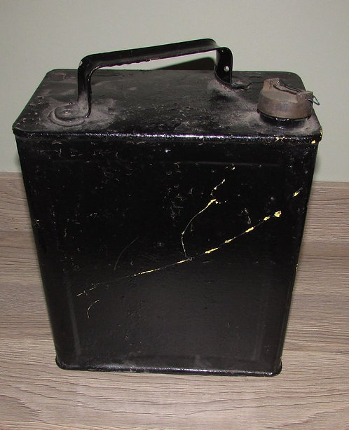 Vintage Black Un-Marked Oil Can (Vickers)