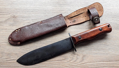 A very good condition D-Type survival knife, scarcer version made by Rodgers.