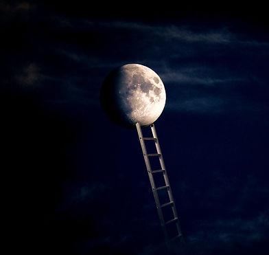 moon-5254351_1920_edited_edited.jpg