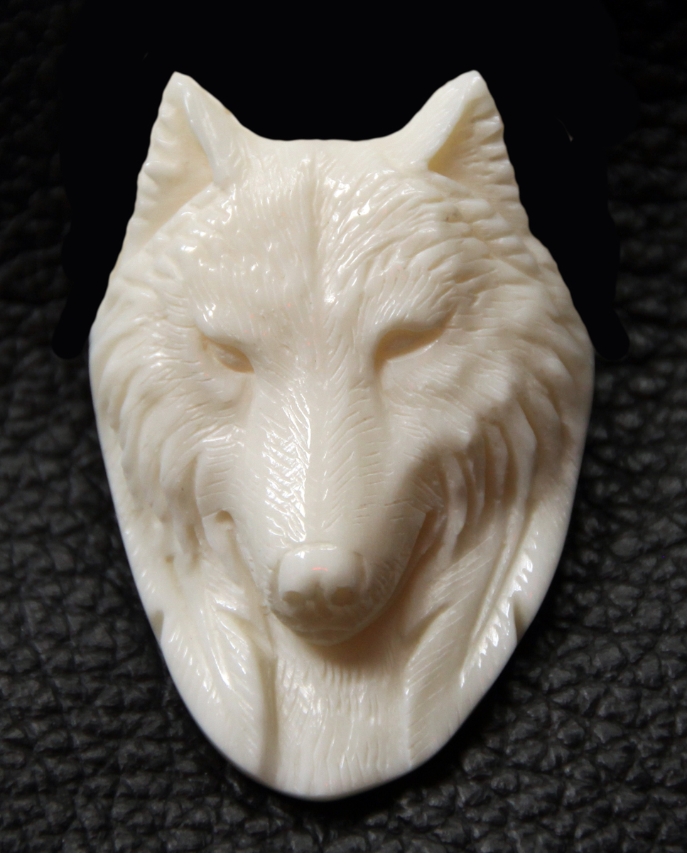 Wolf bone inlay