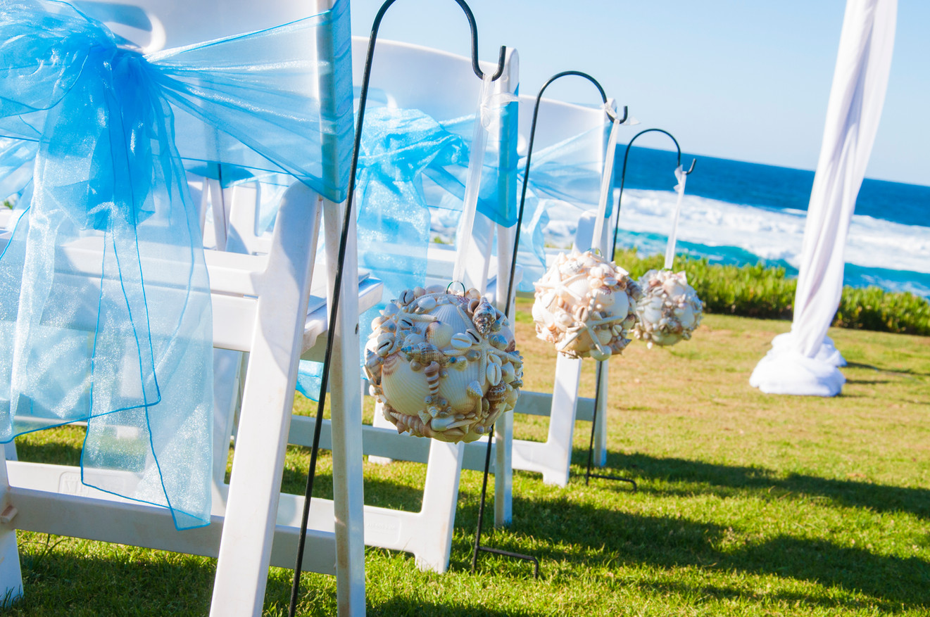 beach wedding at cuvier park in la jolla
