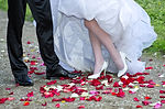 san diego floral design studio includes fresh petals for the aisle