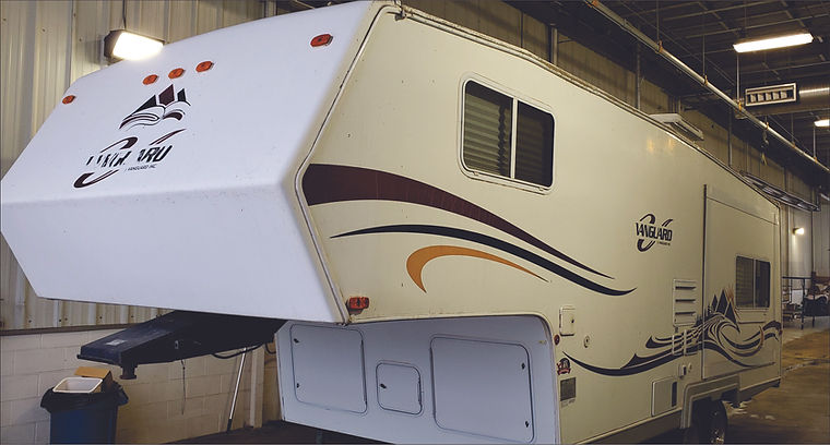 2006 Vanguard 5th Wheel 2809.jpg