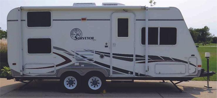 2006 Surveyor Travel Trailer 9807.jpg