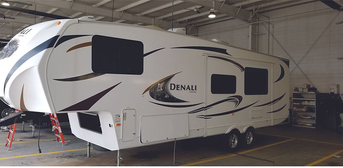 2011 Denali 5th Wheel 7318.jpg