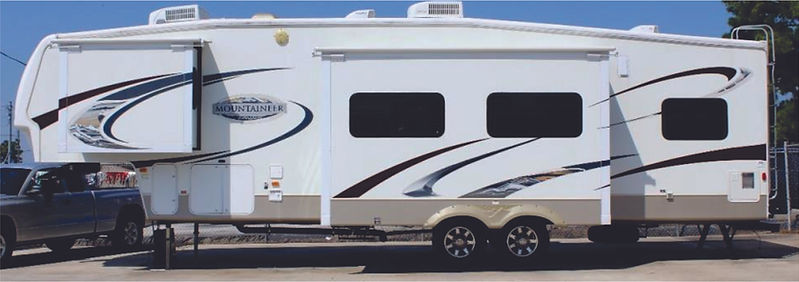 2009 Montana Mountaineer 5th wheel 1663.