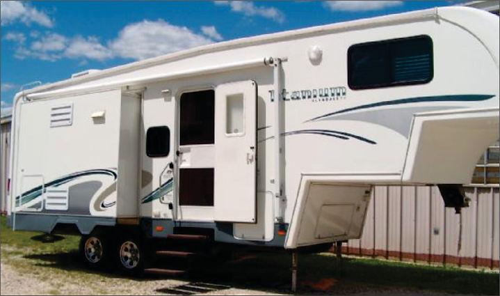 2006 Titanium 5th wheel 2414.jpg