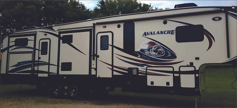 2014 Avalanche 5th Wheel 226.jpg