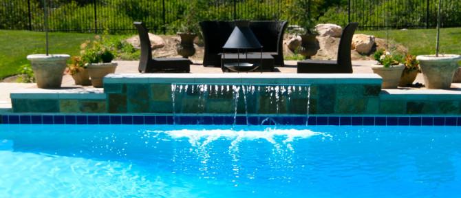 Common Swimming Pool Repair and Maintenance Tips