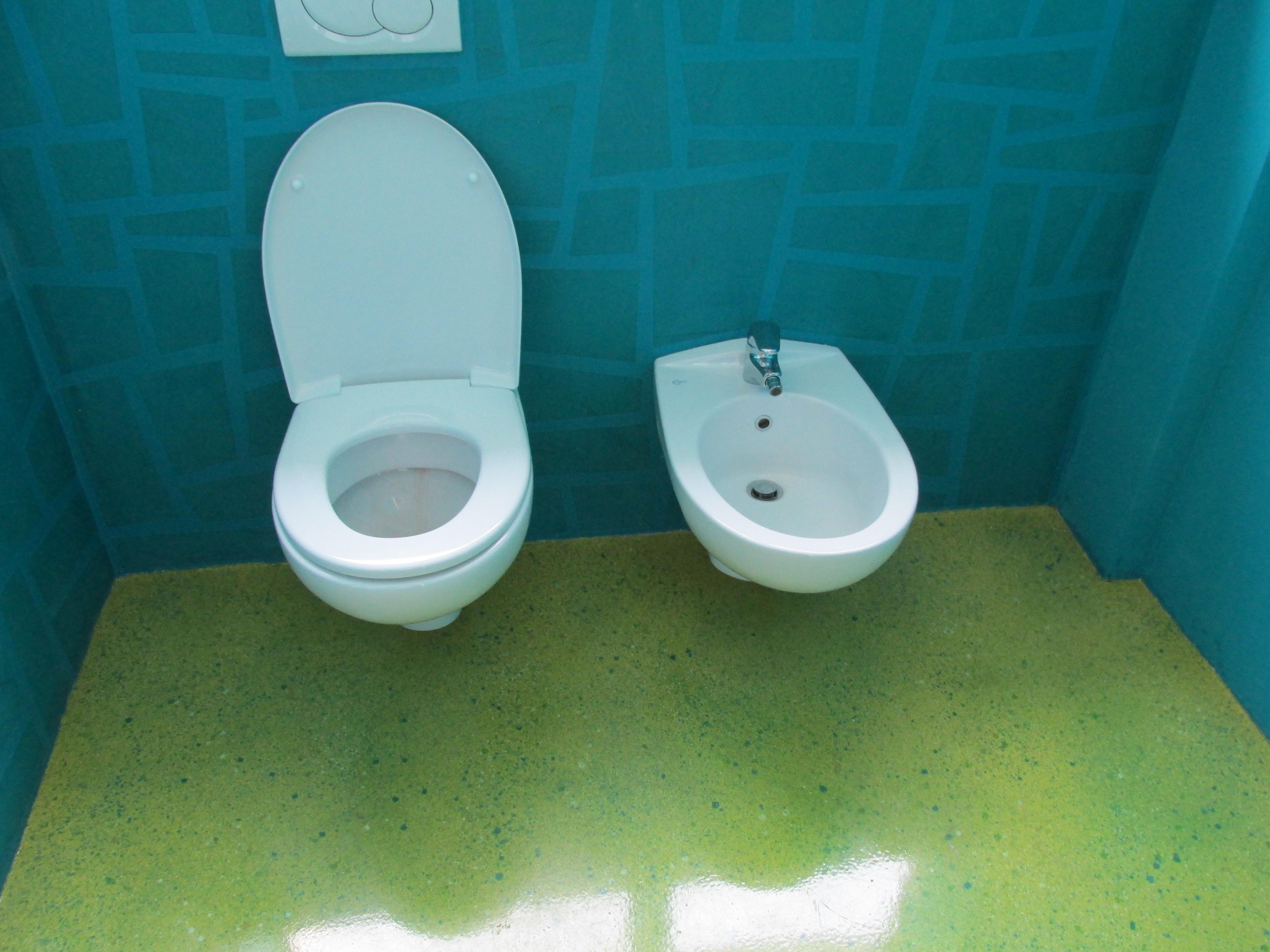 Baño con resina Fotoluminiscente