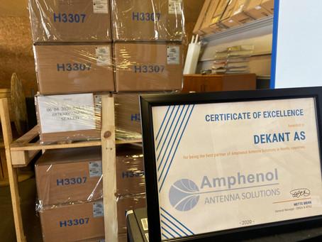 Dekant AS har mottatt utmerkelsen for å være den beste partneren i Norden av #Amphenol
