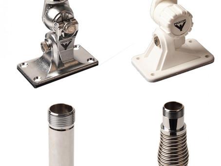 Vi har mange ulike braketter til maritime antenner.
